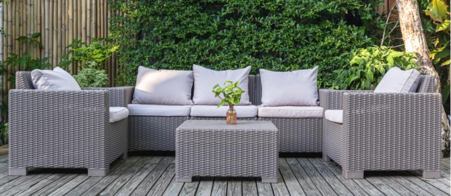 Een loungeset koop je bij Almeerplant